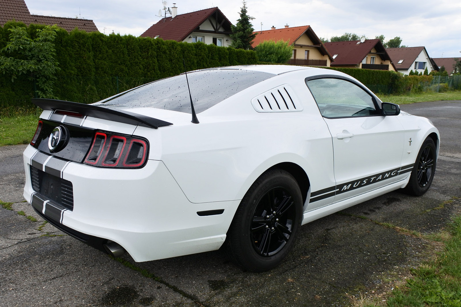 ford mustang 3 7 v6 2014 2014 na prodej inzer t inzerce aut autofrc. Black Bedroom Furniture Sets. Home Design Ideas